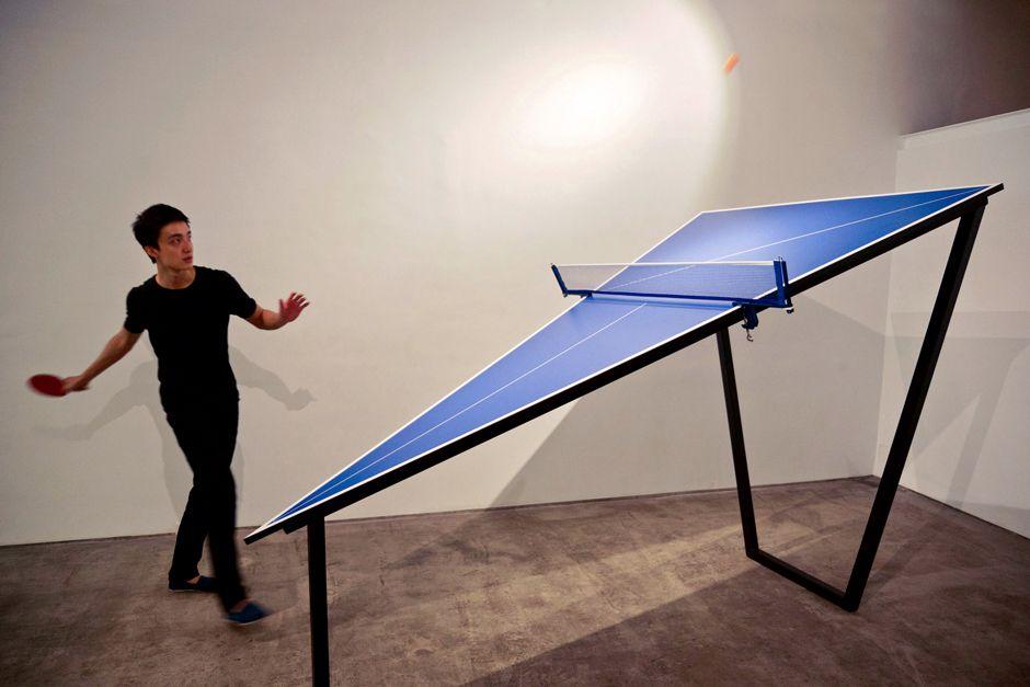 1-1 Chi Kai-Yuan, Triangle Table, 2013, 2min 50sec, video installation