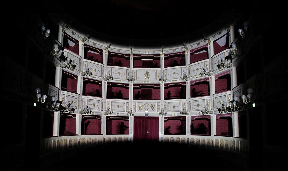 Elisa Laraia, Private Conversation, Contemporary Theater, Teatro Stabile. 2011 Festival Cento Scale, Potenza.