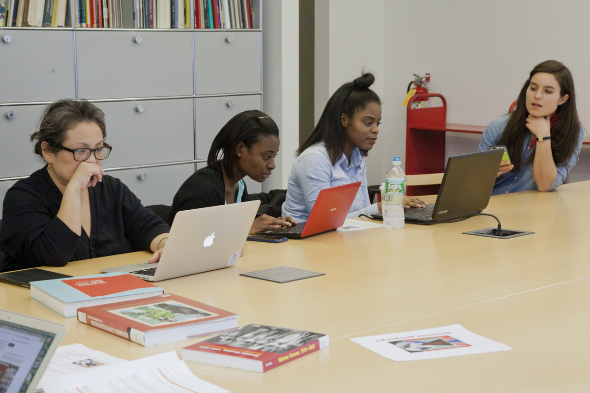 Art+Feminism Wikipedia Edit-a-thon At The Museum Of Modern Art, March 5, 2016 [photo By By Marily Konstantinopoulou (Own Work) [CC BY-SA 4.0 (http://creativecommons.org/licenses/by-sa/4.0)]