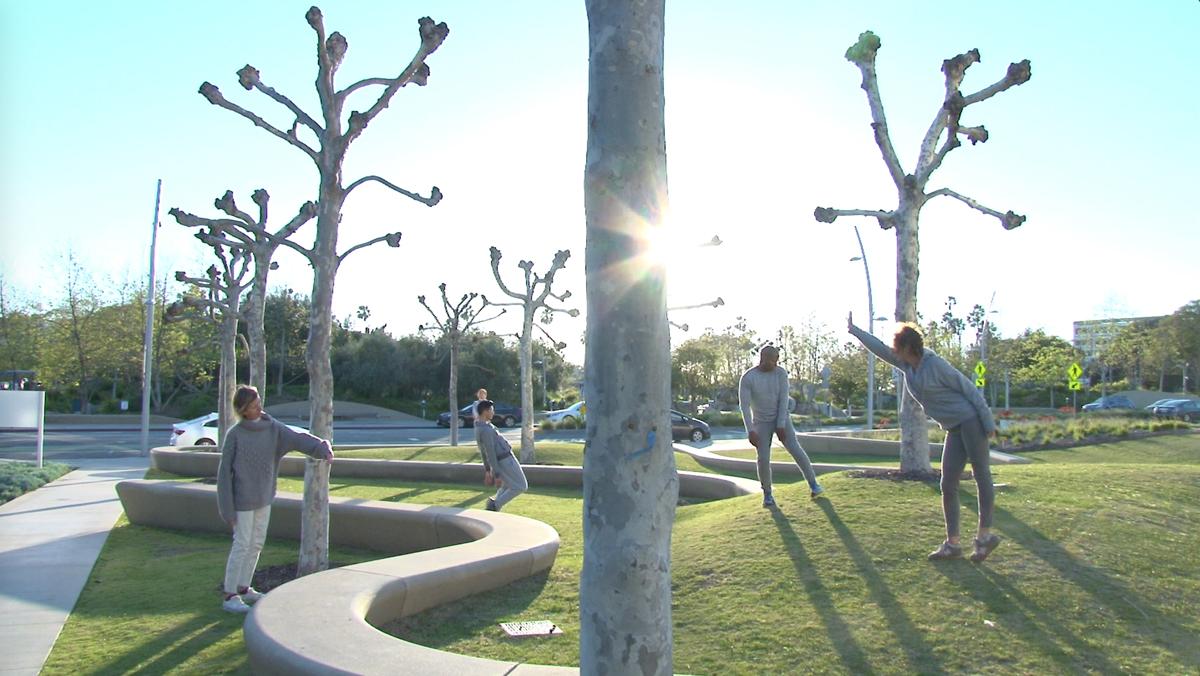 The Laboratory For Embodied Intelligences, (Santa Monica, 2017 Performance) Photo: Carole Kim Dancers, Left To Right: Vanessa Baish, Fonzy Cervera, Hyoin Jun, Jonathan Bryant, Flora Wiegmann