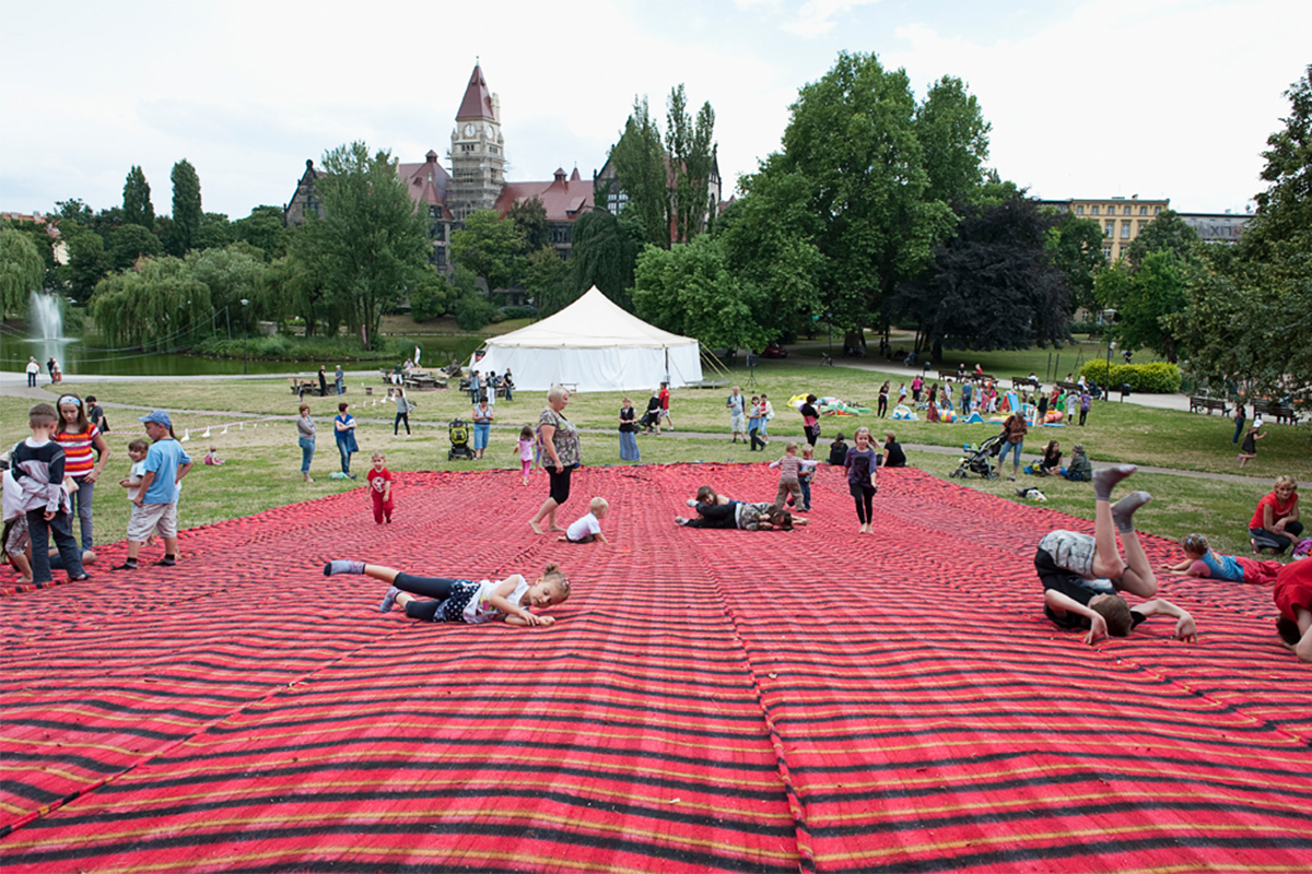 Aleksandra Wałaszek, 'Pic Nic', happening and installation happening, 20 blanket stripes (2×20m), twine, collaboration with Olivia Beszczyńska, 2011, photo: Peter Kreibich
