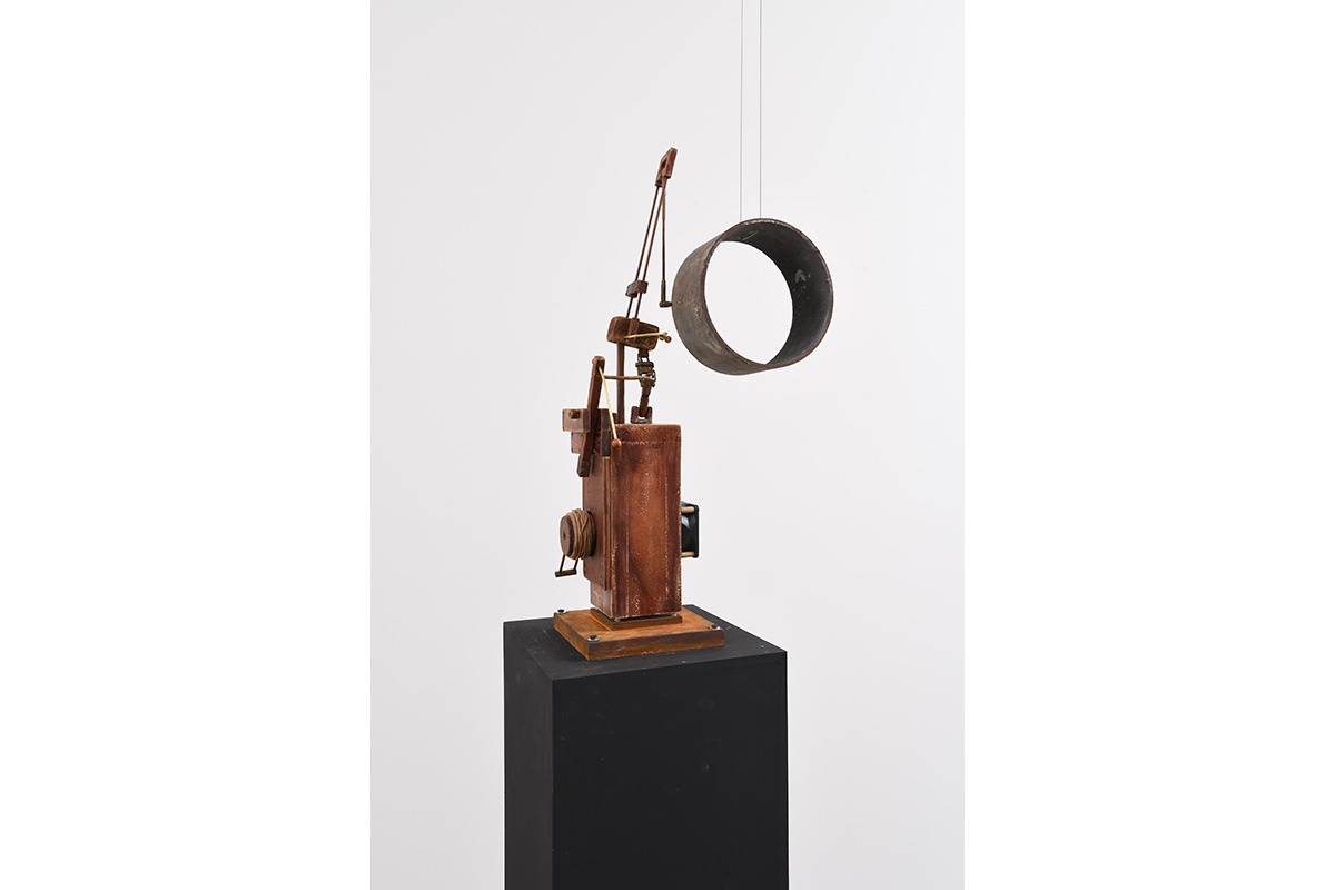 Yang Jung Uk, Adversity Whispers That There Is Hope, 2012, Wood, Motor, Steel, 30x10x40(h)cm