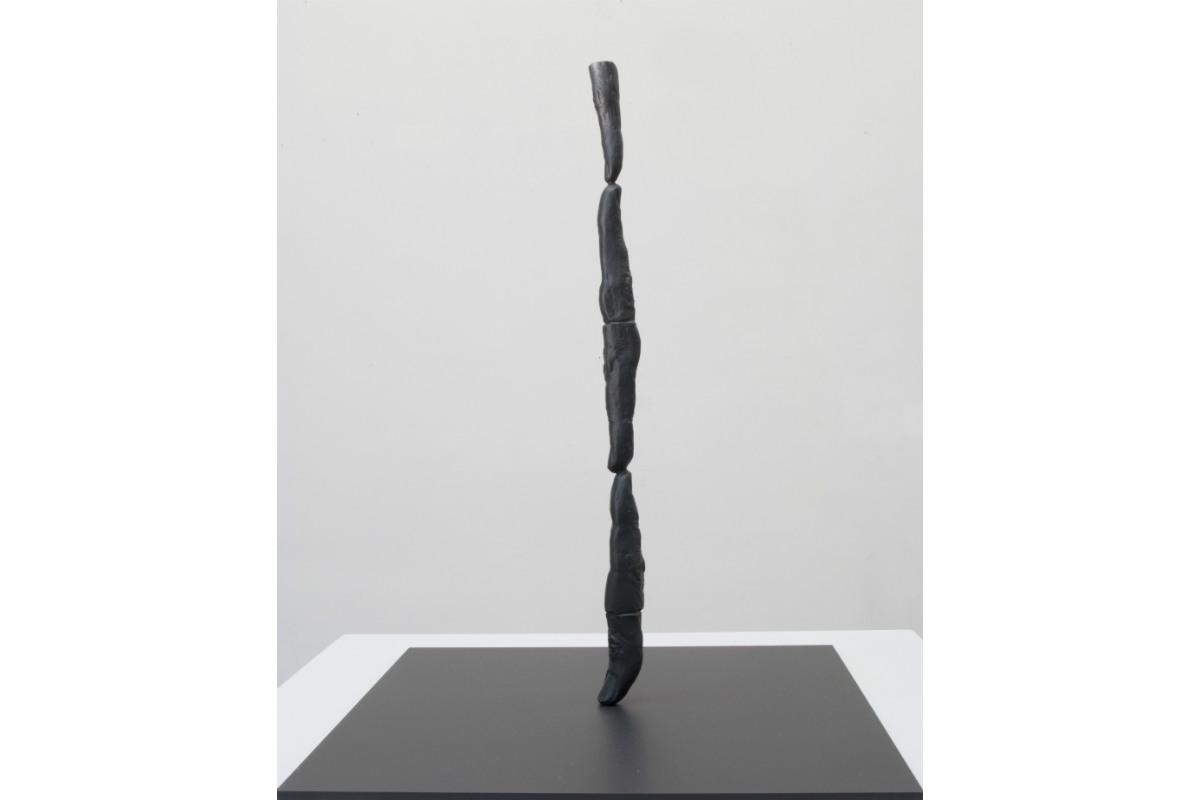 Rick Buckley, Fingers & dumb thumb, 2015, 37 x 2,5 cm, Bronze, Industry & Idleness #1. Photo by Rick Buckley. Courtesy of Rick Buckley.