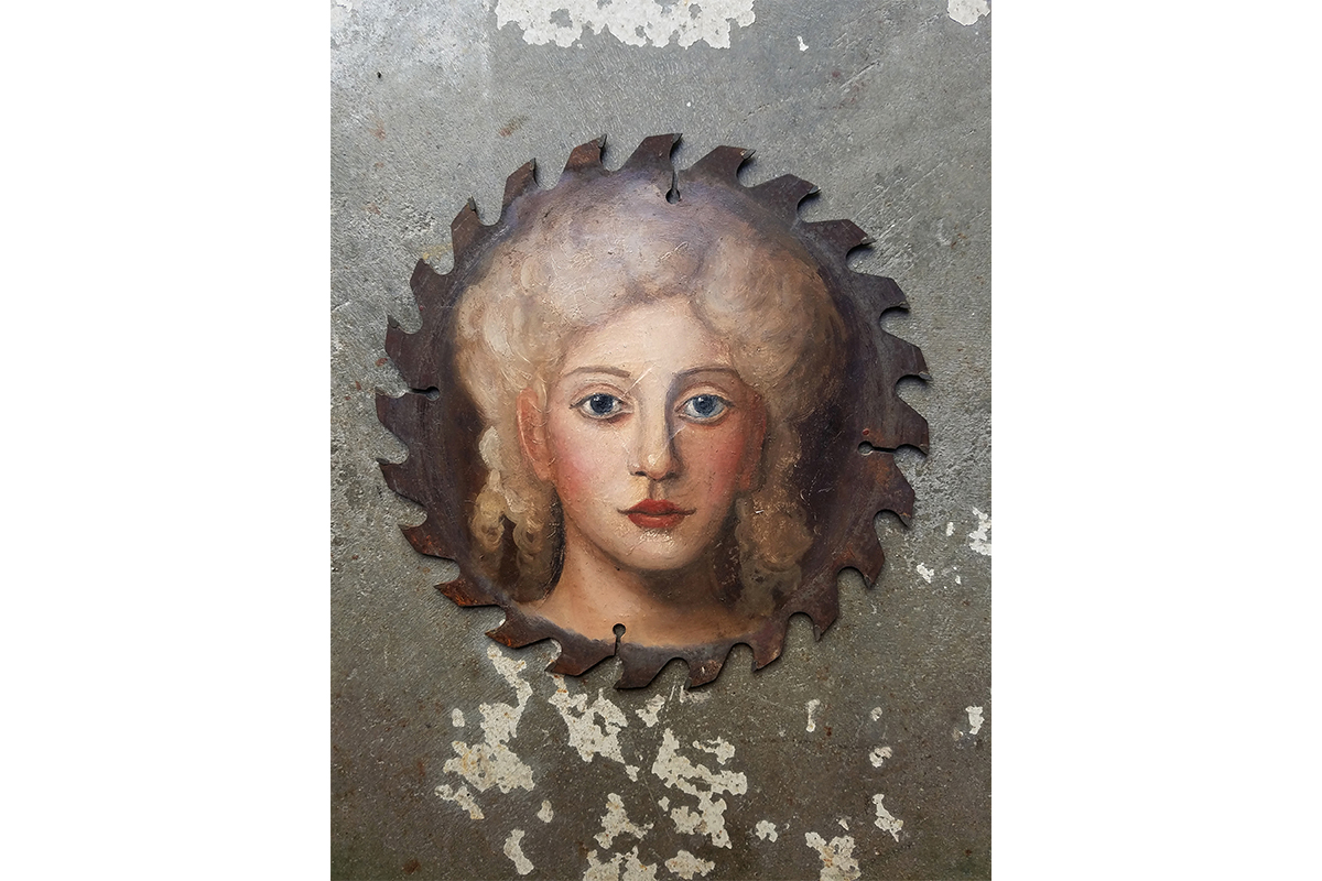 Alexandra Dillon, Ariadne, 2017. Oil on used saw blade. Diameter of 9 inches. Courtesy of the artist.