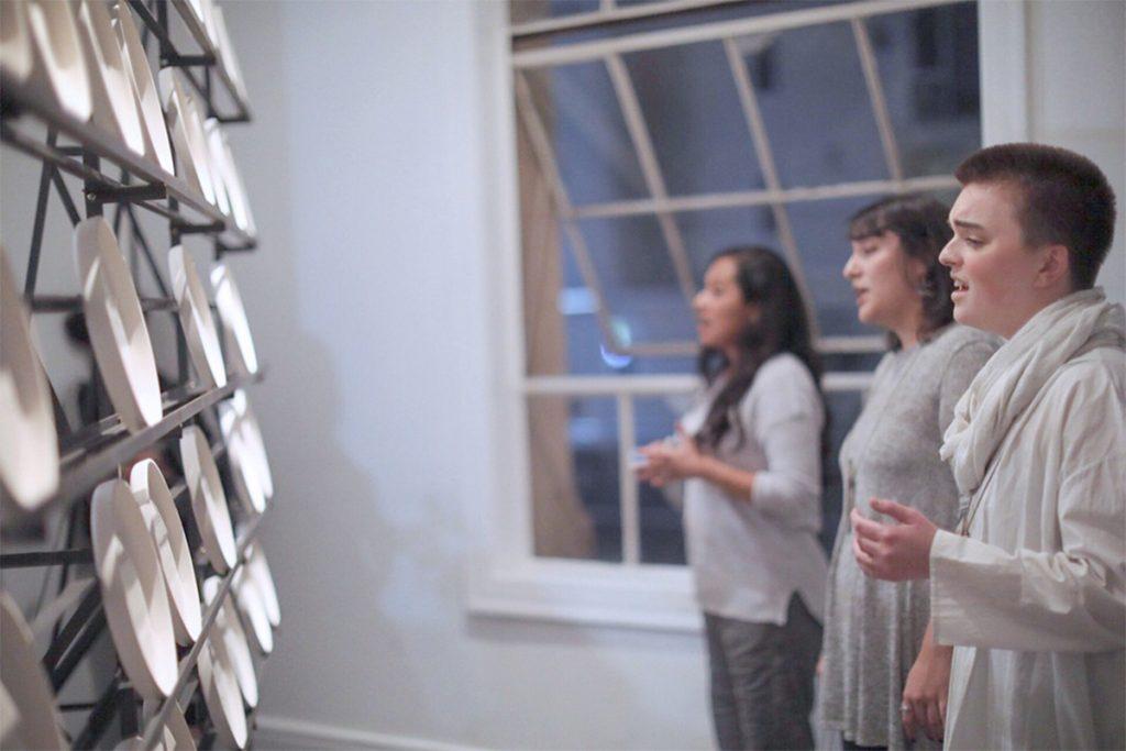 Jimena Sarno, taracatá trabaja, 2018. Sculpture and sound installation. Director of Photography and camera by Alison Kelly. Still photograph by Devon Tsuno and Jimena Sarno.