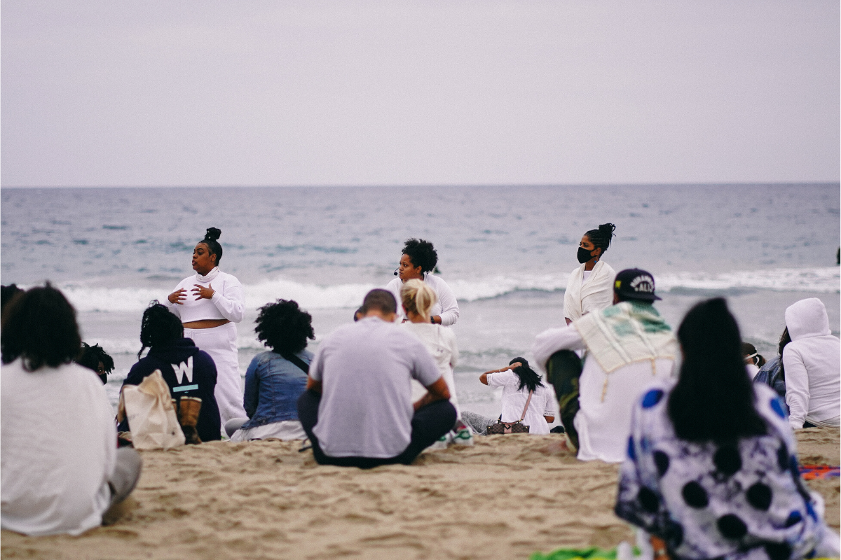 Sunrise Mourning Meditation at Bay Street Beach, Santa Monica, California on June 19, 2020. Organized by Arianne Edmonds and April Banks. Meditation led by Ali Simon. Photograph by Halline Overby. Courtesy of April Banks.