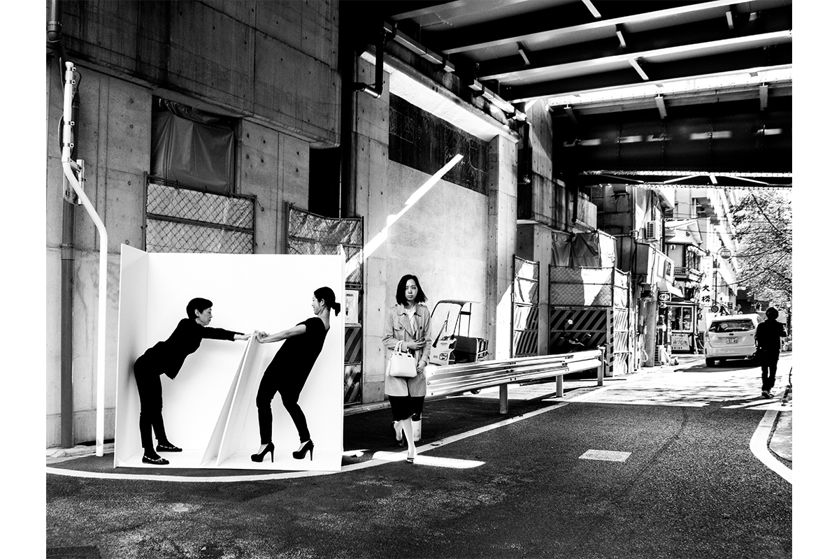 ALEXANDMUSHI, Portable Studio, Nakameguro, Tokyo, 2015. Participatory-durational Practice. Archival Print. 59 X 88.5 Inches. Courtesy Of The Artist.