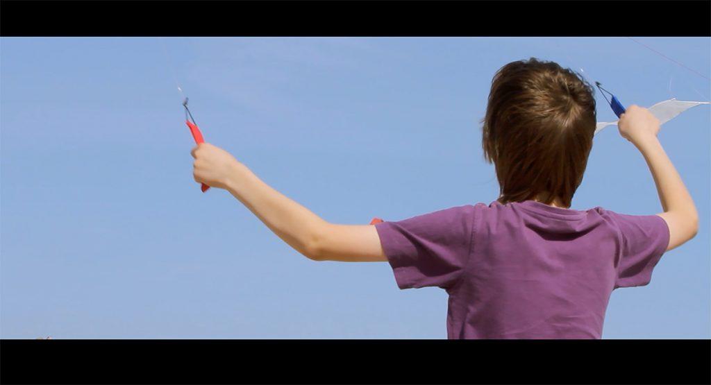 Alison O'Daniel, Nyke and the New York Kite Enthusiasts (2015).